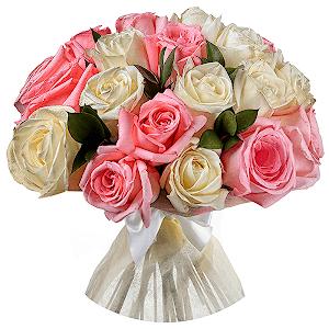 Букет из 61 белых и розовых роз